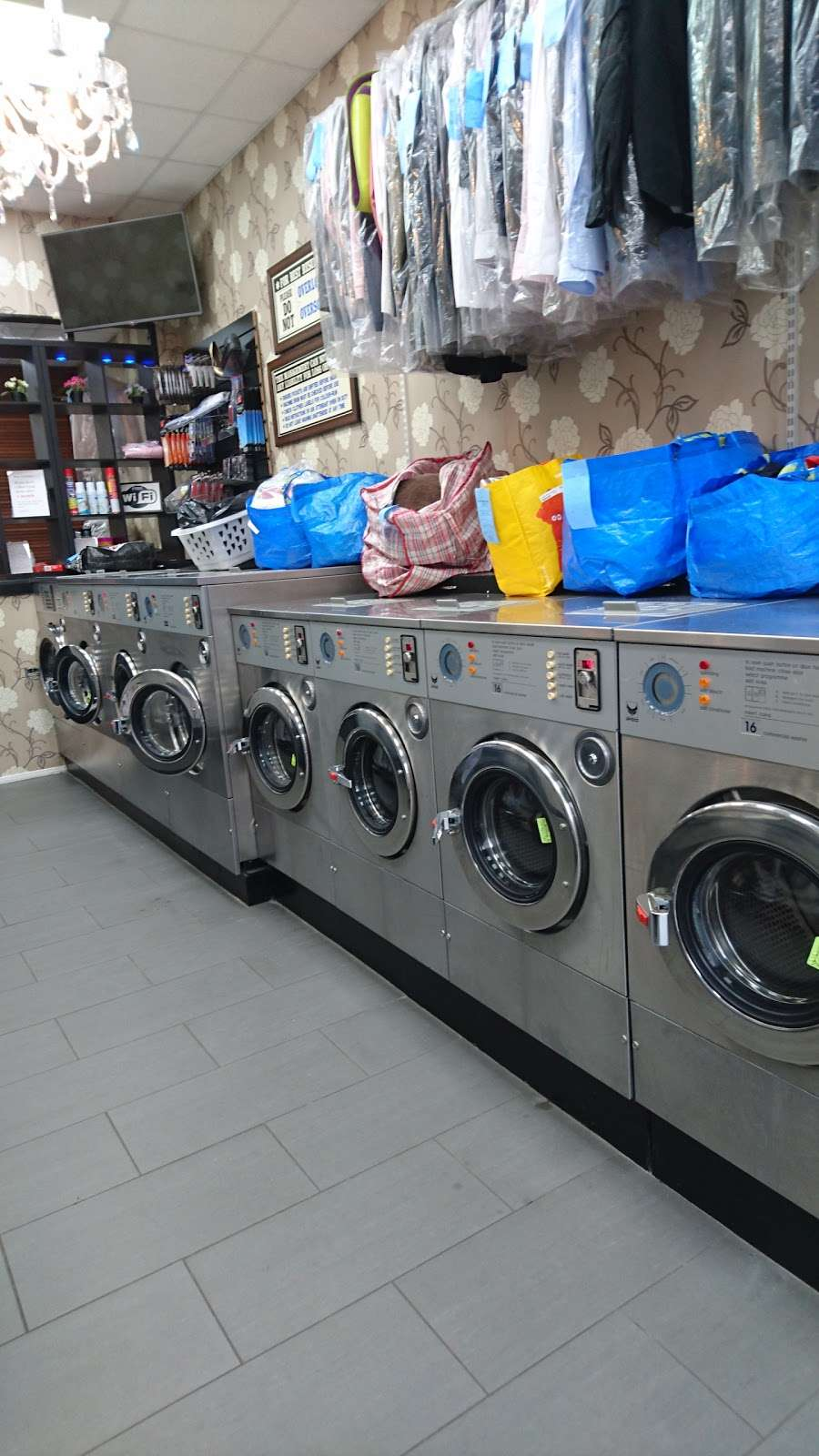 King Dry Cleaning & Laundrette - laundry  | Photo 6 of 10 | Address: 35 Church Rd, London NW4 4EB, UK | Phone: 020 8201 5050