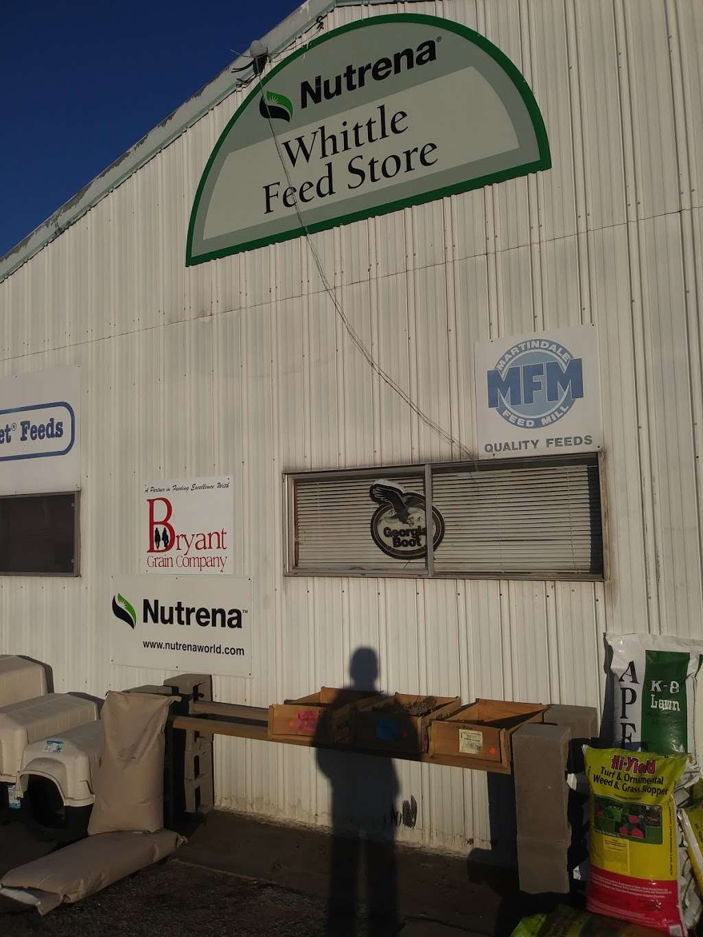 Whittle Feed & Seed Store - store  | Photo 1 of 6 | Address: 2660 Dowdy Ferry Rd, Dallas, TX 75217, USA | Phone: (972) 286-2825