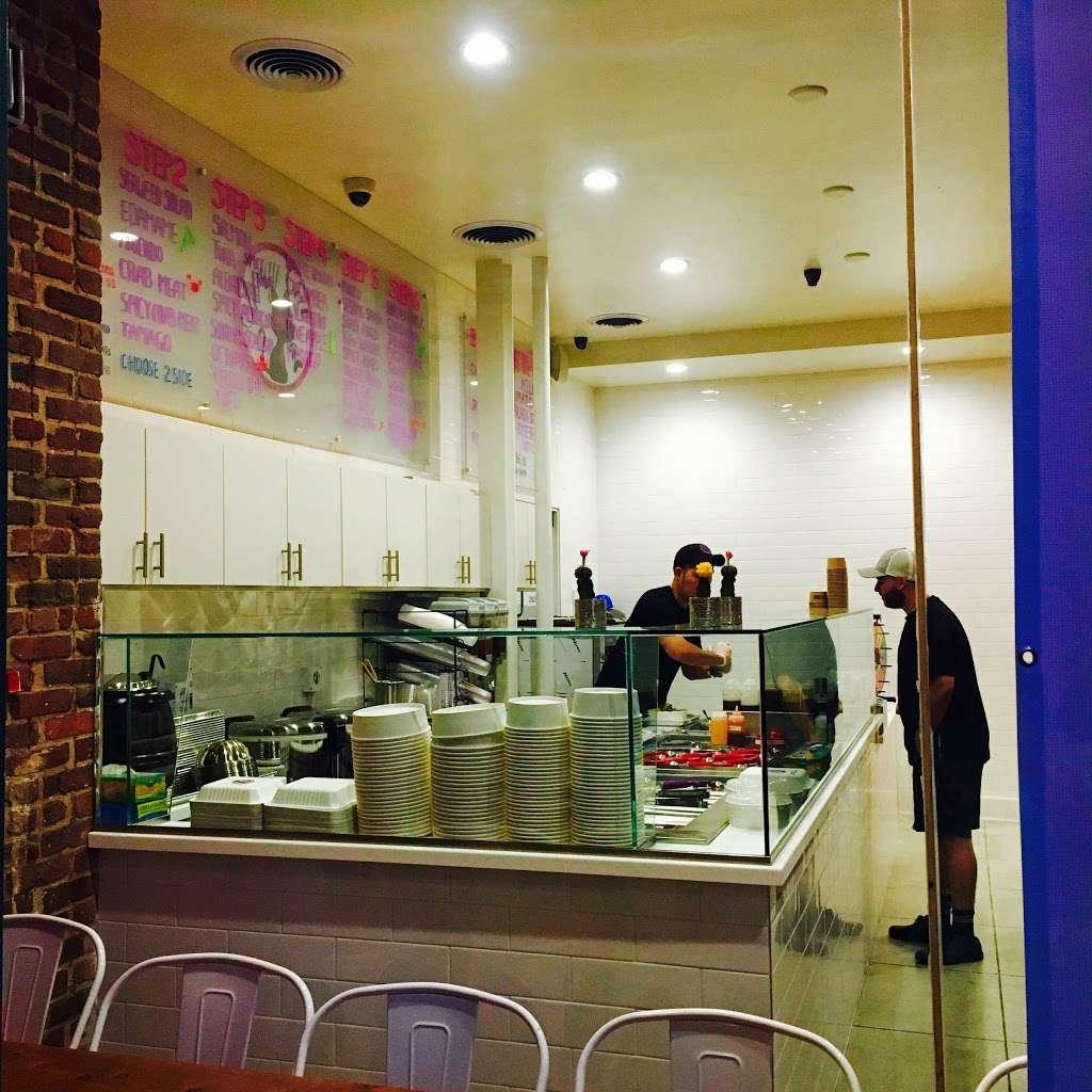 Straycat Poke & Dessert - store  | Photo 2 of 10 | Address: 62 W Union St #1, Pasadena, CA 91103, USA | Phone: (626) 639-3500