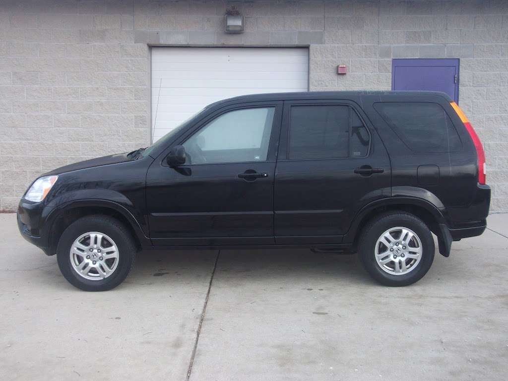 R C Auto Sales - car dealer    Photo 8 of 10   Address: 1701 S Tibbs Ave, Indianapolis, IN 46241, USA   Phone: (317) 247-0170