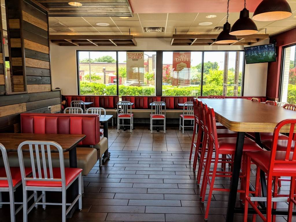 Arbys - restaurant  | Photo 4 of 10 | Address: 1901 E Cone Blvd, Greensboro, NC 27405, USA | Phone: (336) 621-1188