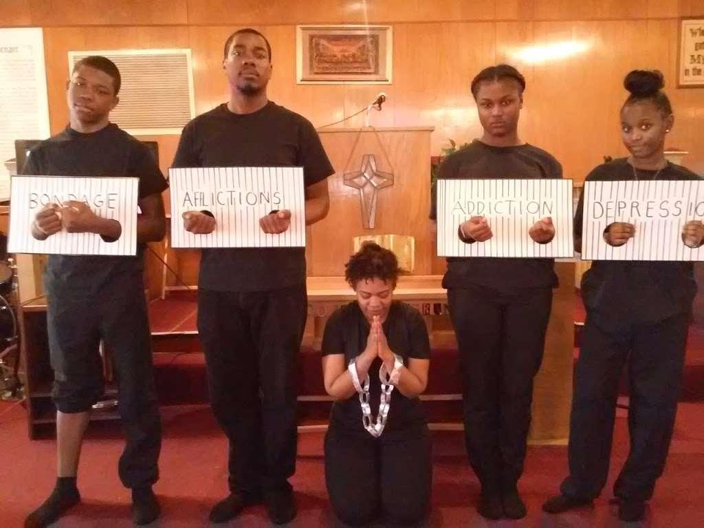 True Fellowship Baptist Church - church    Photo 4 of 9   Address: 9556 S King Dr, Chicago, IL 60628, USA   Phone: (773) 785-9710