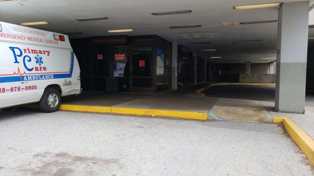 Staten Island University Hospital - hospital  | Photo 1 of 2 | Address: 392 Seguine Ave, Staten Island, NY 10309, USA | Phone: (718) 226-2274