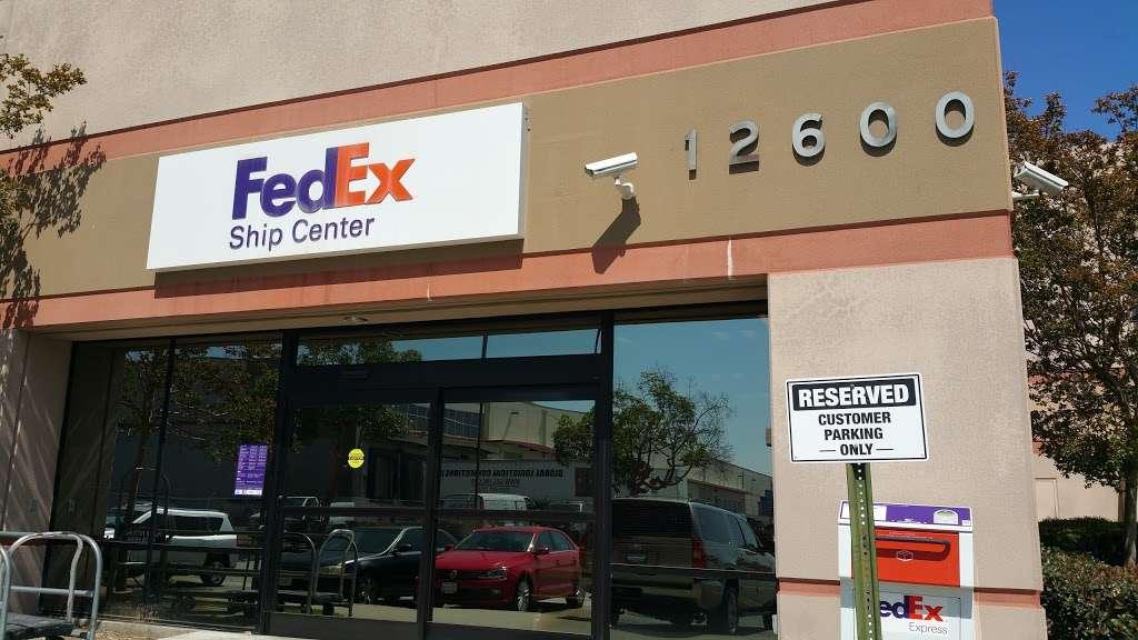 FedEx Ship Center - store    Photo 2 of 10   Address: 12600 S Prairie Ave, Hawthorne, CA 90250, USA   Phone: (800) 463-3339