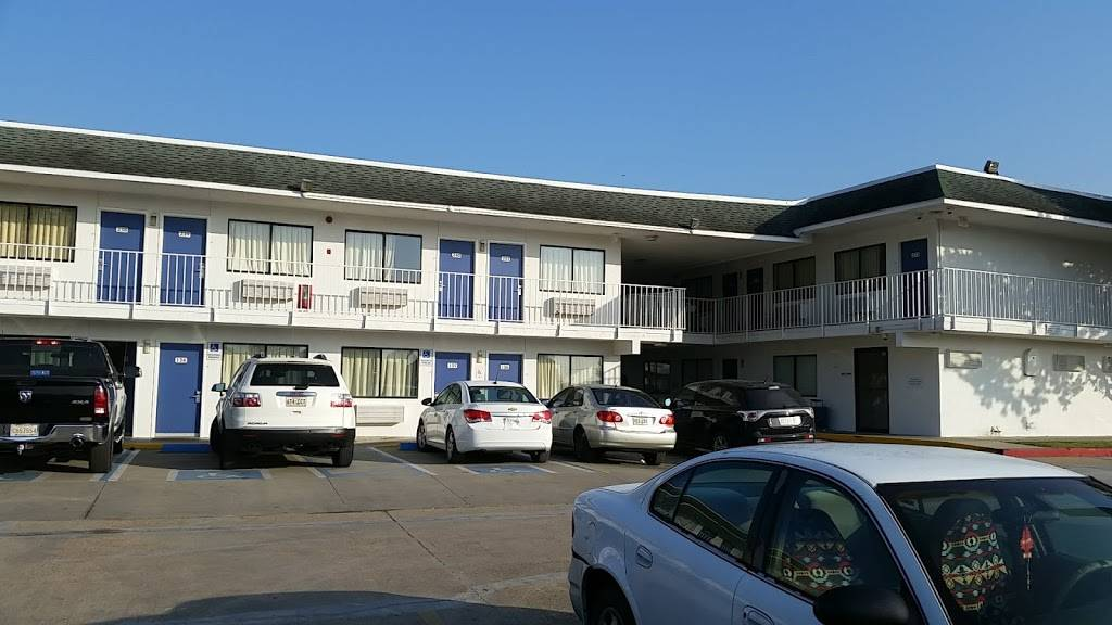 Motel 6 Port Allen, LA - Baton Rouge - lodging  | Photo 10 of 10 | Address: 2800 I- 10 Frontage Rd, Port Allen, LA 70767, USA | Phone: (225) 343-5945