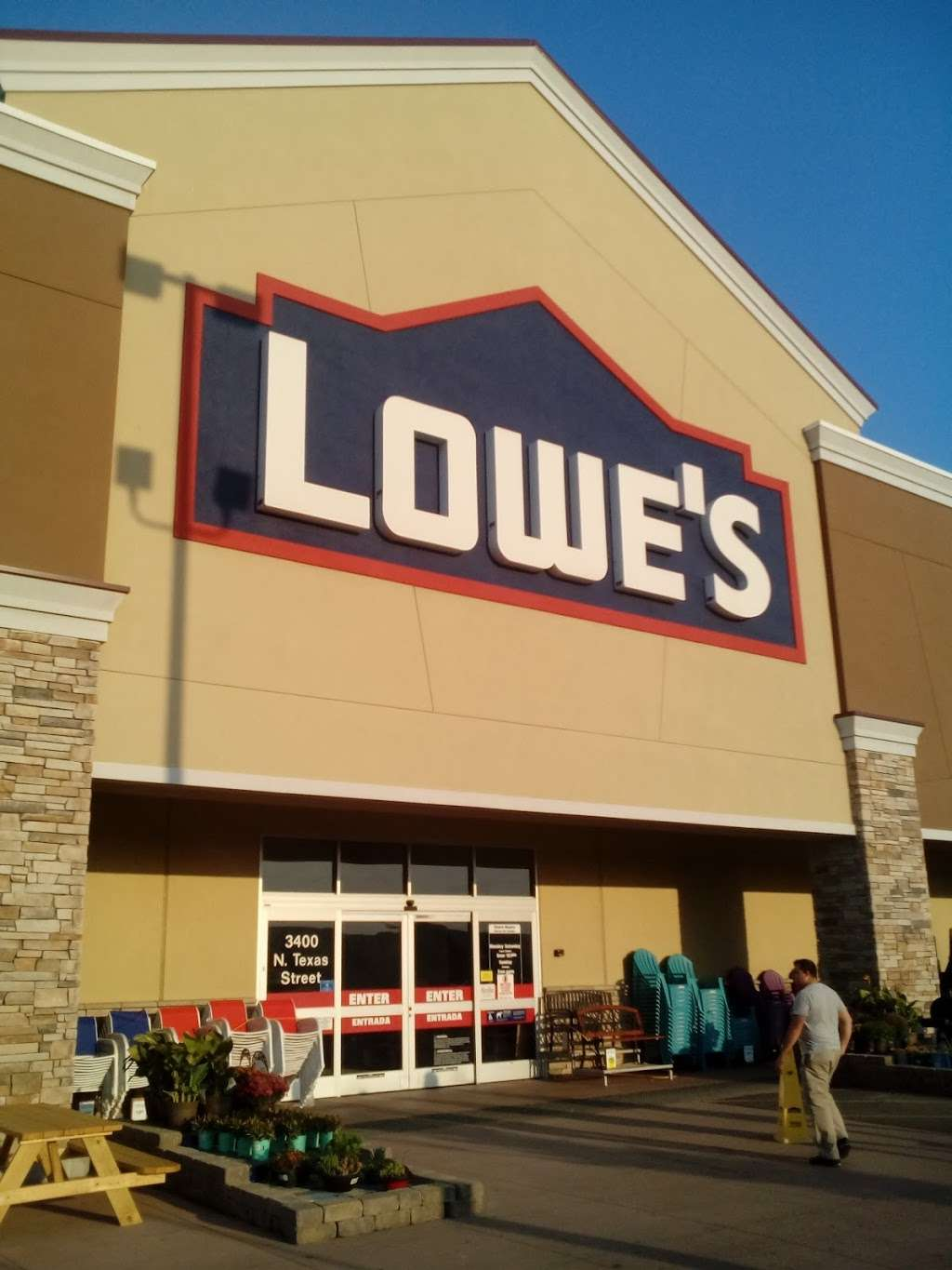 Lowes Home Improvement - hardware store  | Photo 6 of 10 | Address: 3400 N Texas St, Fairfield, CA 94533, USA | Phone: (707) 207-2070