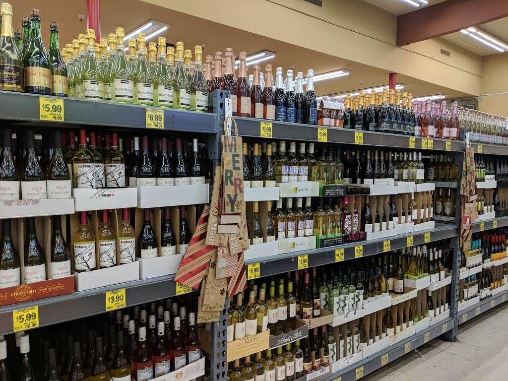 Grocery Outlet Bargain Market - supermarket    Photo 8 of 10   Address: 2900 Broadway, Oakland, CA 94611, USA   Phone: (510) 465-5649