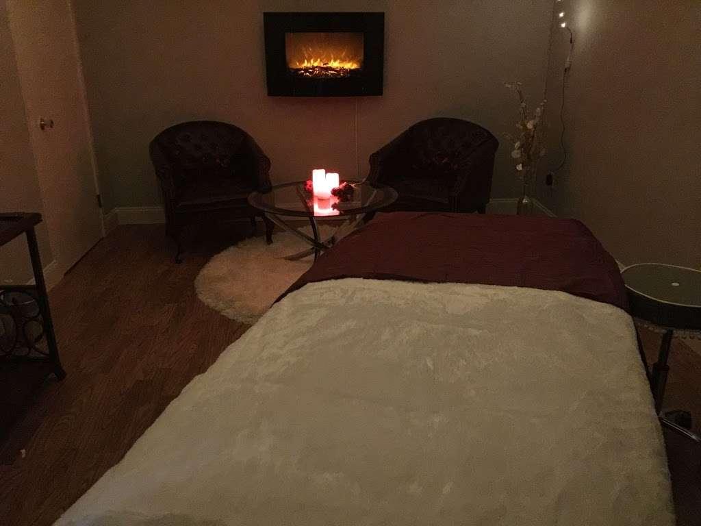 Therapeutic Massage & Wellness - spa    Photo 9 of 10   Address: 40 Lake Ave Ext Suite B, Danbury, CT 06811, USA   Phone: (203) 826-3355