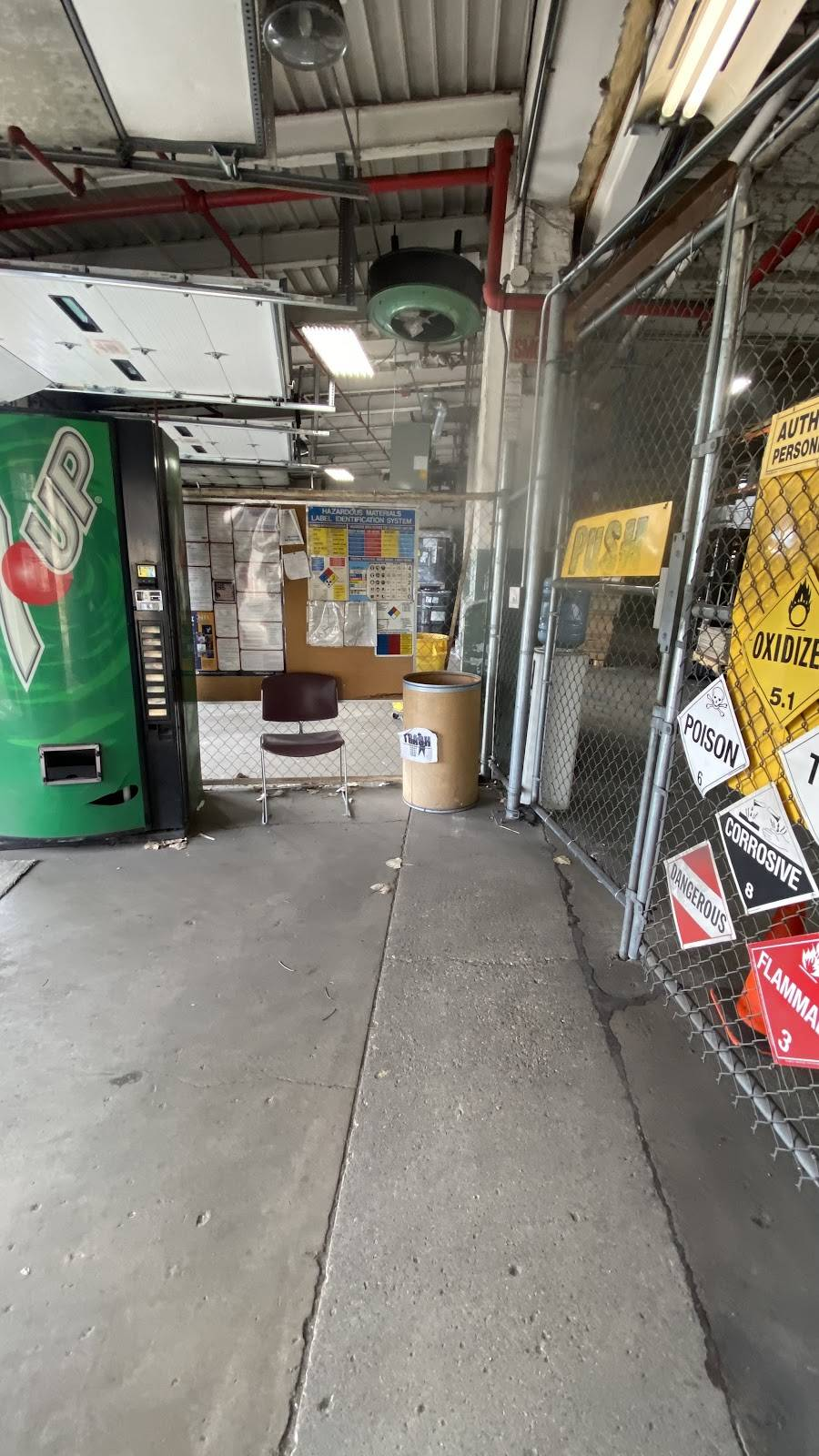 Lindner Logistics, LLC - storage  | Photo 9 of 9 | Address: 1977 S Allis St, Milwaukee, WI 53207, USA | Phone: (414) 483-3080