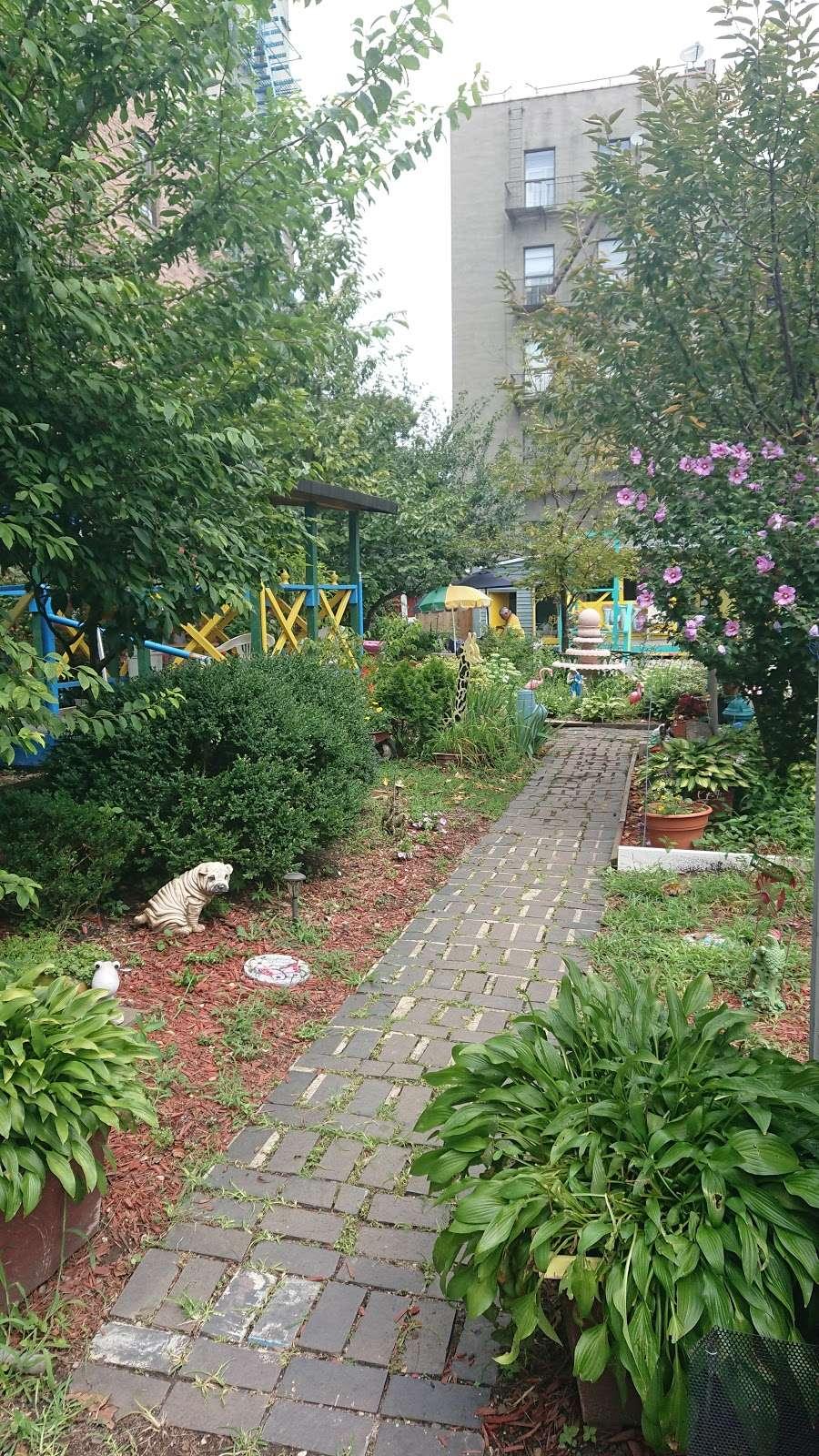 Hornaday Community Garden - park    Photo 6 of 10   Address: 851 Hornaday Pl, Bronx, NY 10460, USA   Phone: (347) 847-2525