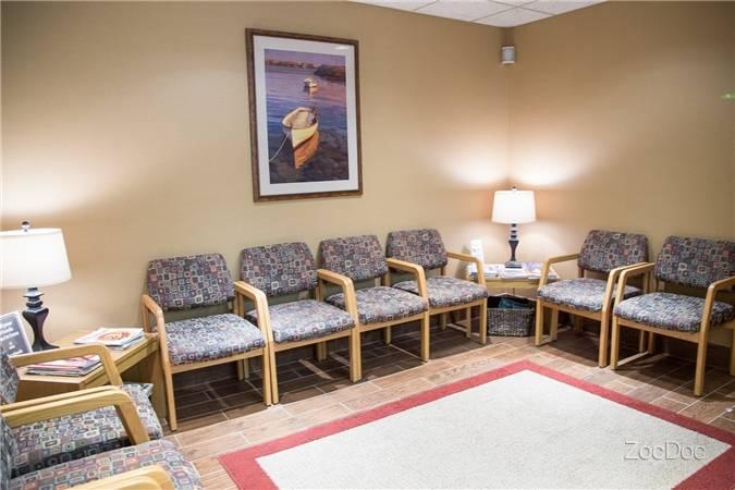 Dr. Shahram Moghaddam - dentist    Photo 3 of 8   Address: 536 Broad St #1, Weymouth, MA 02189, USA   Phone: (781) 331-2442