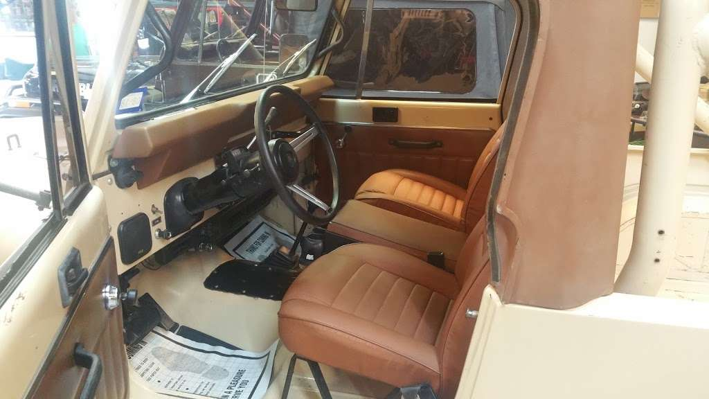 AutoQuest Jeeps - car dealer    Photo 1 of 5   Address: 410 W Canino Rd, Houston, TX 77037, USA   Phone: (832) 473-7588