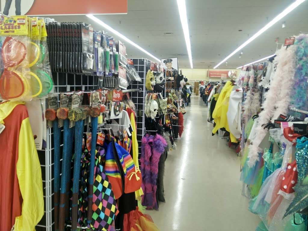 Savers - book store  | Photo 2 of 10 | Address: 9091 Garfield Ave, Fountain Valley, CA 92708, USA | Phone: (714) 963-0425