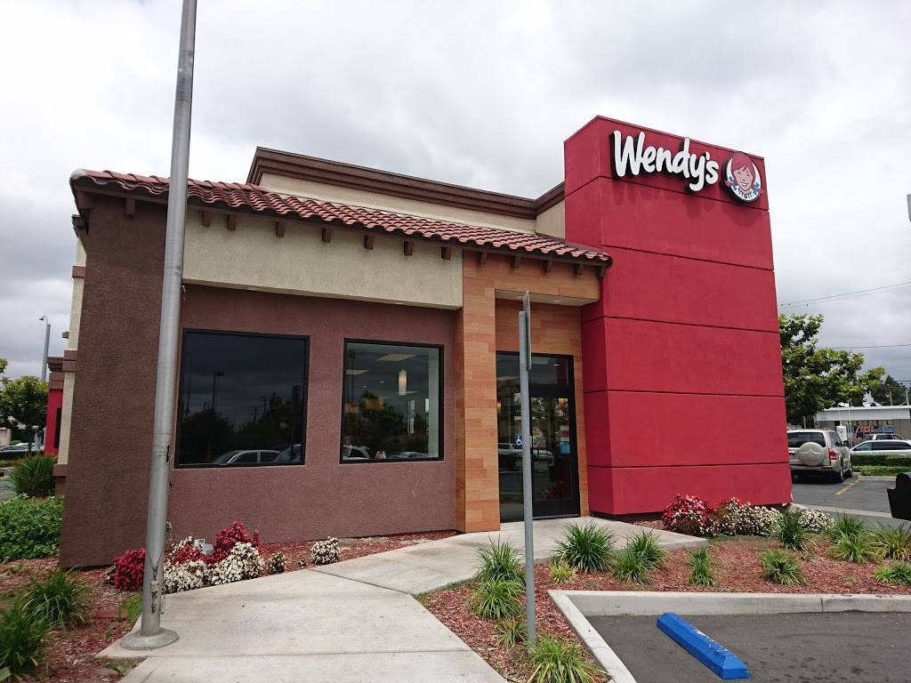 Wendys - restaurant  | Photo 1 of 8 | Address: 13922 Red Hill Ave, Tustin, CA 92780, USA | Phone: (714) 669-0871