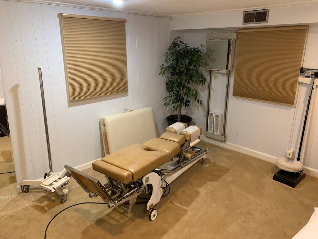 Durham Chiropractic-Acupuncture Clinic, PC - health  | Photo 10 of 10 | Address: 5201 Silas Creek Pkwy, Winston-Salem, NC 27106, USA | Phone: (336) 765-7620