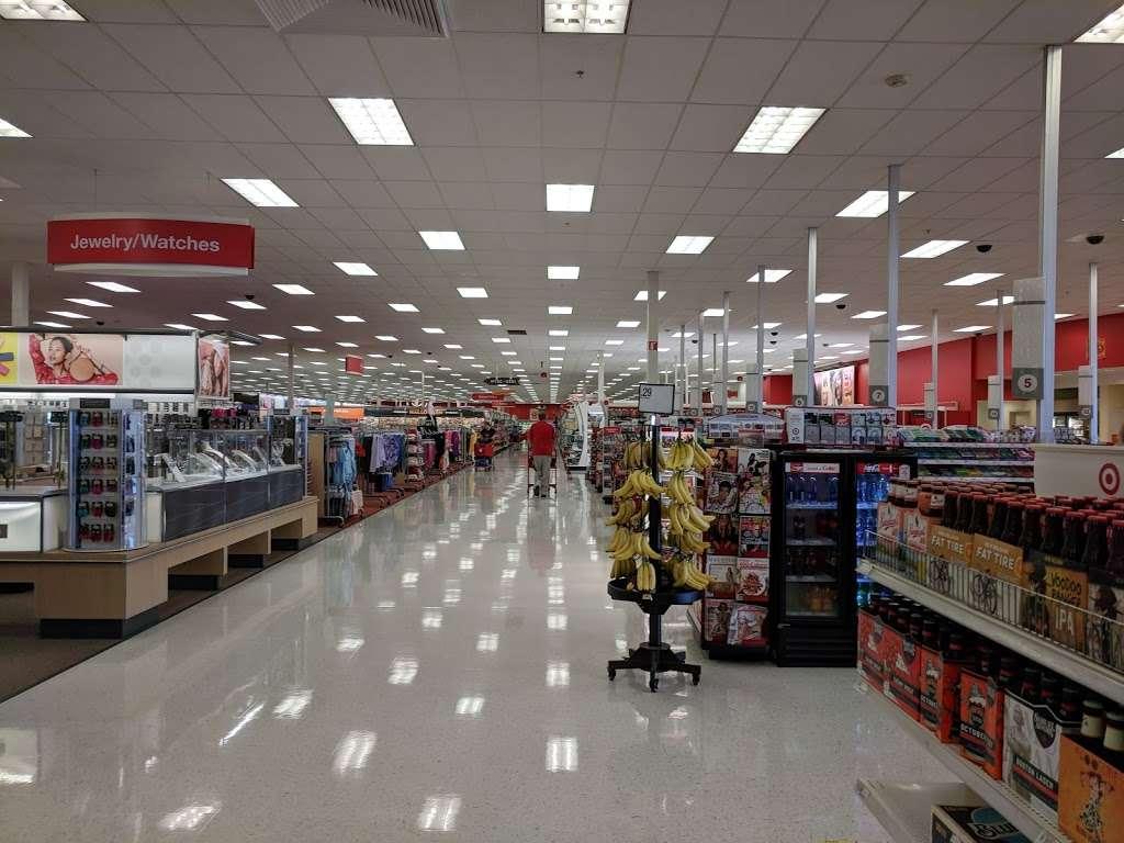 Target - department store    Photo 8 of 10   Address: 10 Crooked Run Plaza, Front Royal, VA 22630, USA   Phone: (540) 631-3290