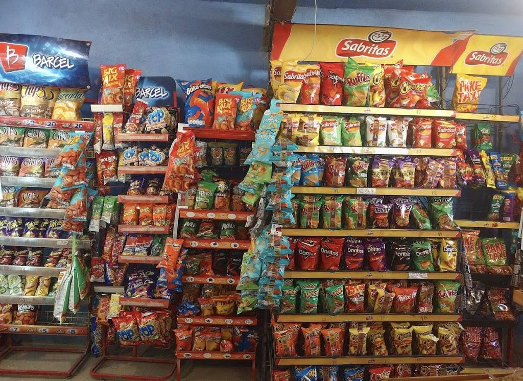 Minisuper Cecy - supermarket  | Photo 5 of 5 | Address: Loma, Lomas de Sta. María, Cerró colorado 4ta sección, Bugambilias, 22223 Tijuana, B.C., Mexico | Phone: 664 803 7591