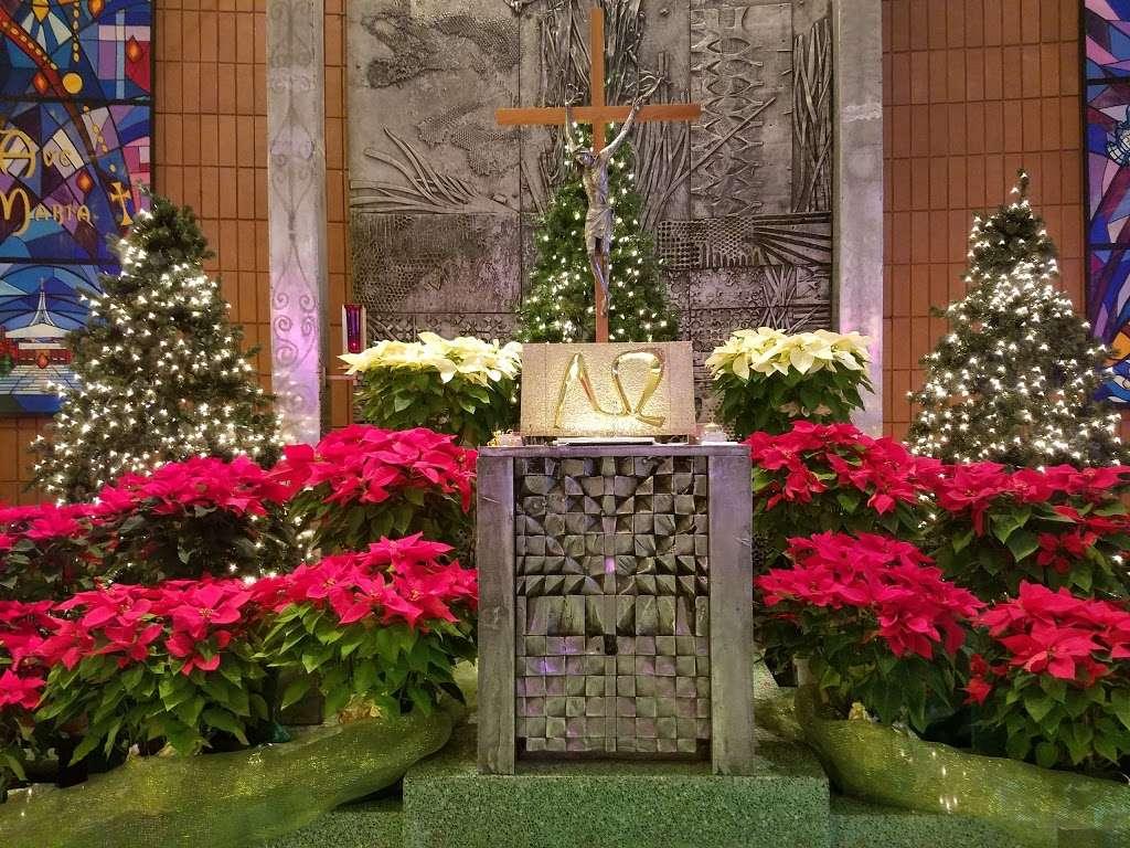 Holy Rosary Church - church    Photo 5 of 10   Address: 1510 Adee Ave, Bronx, NY 10469, USA   Phone: (718) 379-4432