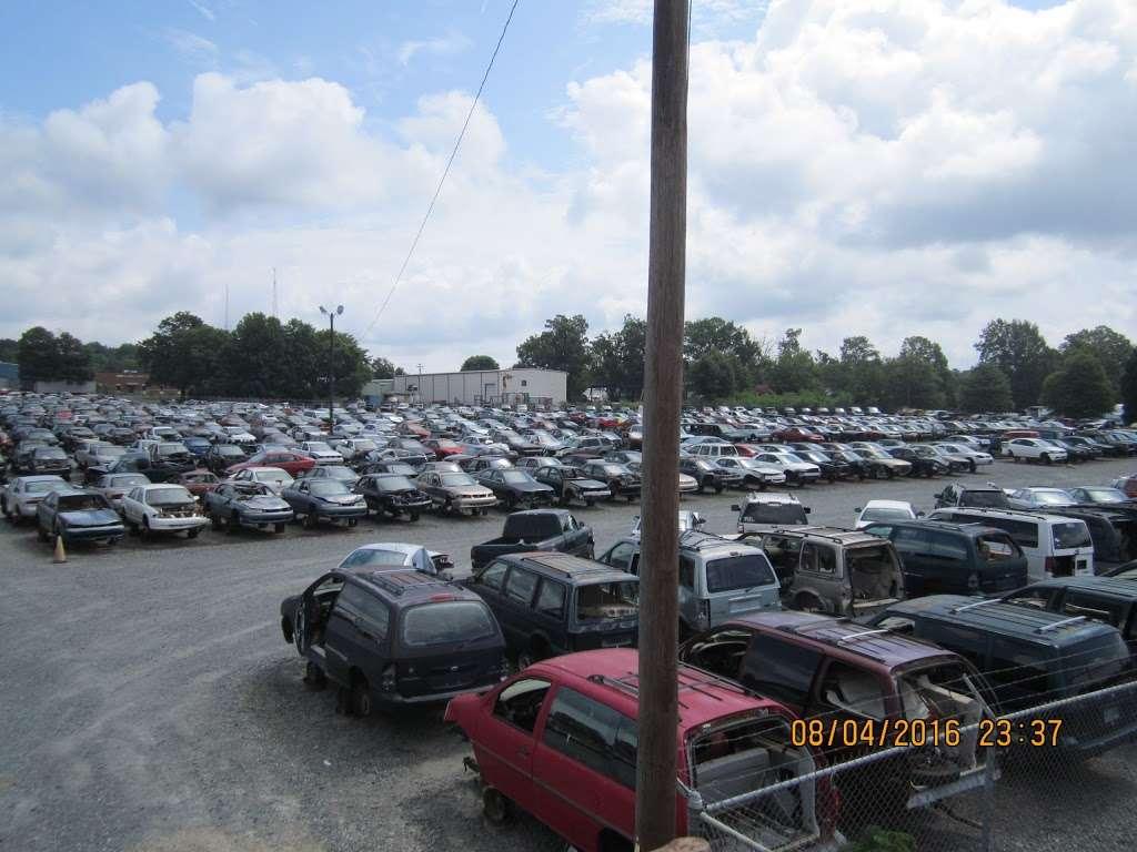 S&R Auto and Truck Salvage - car repair  | Photo 6 of 10 | Address: 1420 W Craighead Rd, Charlotte, NC 28206, USA | Phone: (704) 597-1085