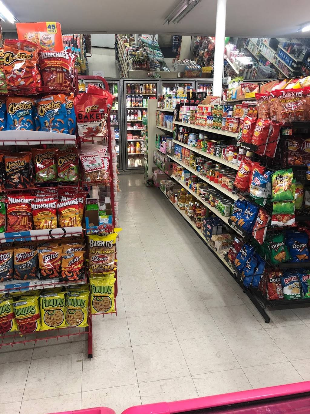 Haggin Oaks Market - convenience store  | Photo 3 of 4 | Address: 3560 Del Paso Blvd, Sacramento, CA 95838, USA | Phone: (916) 514-1870