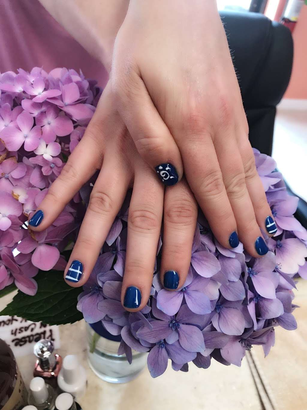 Annie Nails and Spa - hair care  | Photo 4 of 10 | Address: 240 Lakeview Ave, Tyngsborough, MA 01879, USA | Phone: (978) 226-5724