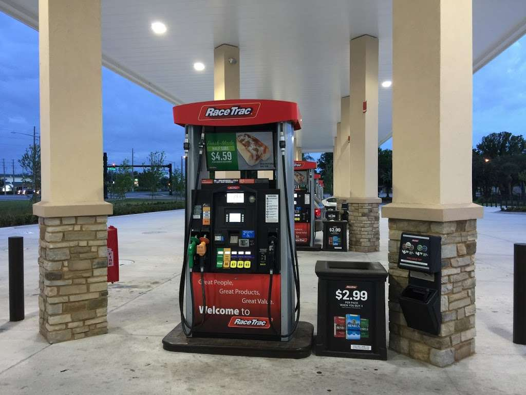 RaceTrac - gas station  | Photo 1 of 10 | Address: 12136 S John Young Pkwy, Orlando, FL 32837, USA | Phone: (407) 363-7788