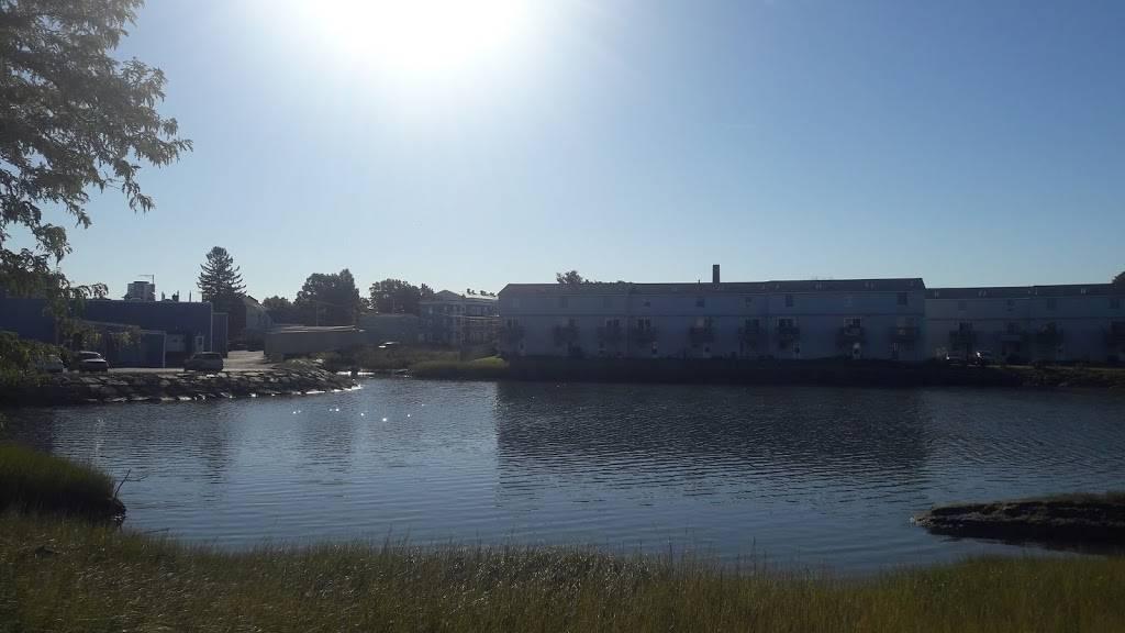 G.E.A.A. Field - park  | Photo 10 of 10 | Address: Summer St, Lynn, MA 01905, USA | Phone: (781) 268-8000