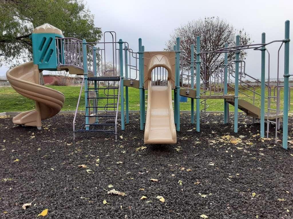 Franklin Field Complex - park  | Photo 1 of 10 | Address: 281 E Cedar St, Taft, CA 93268, USA | Phone: (661) 763-4246
