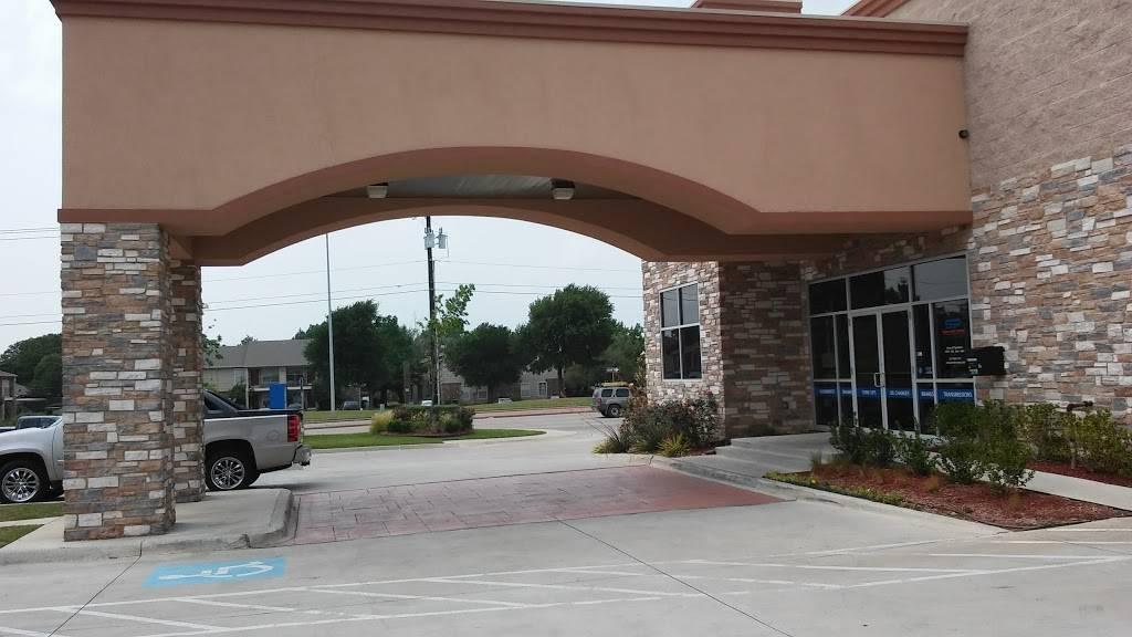 Service Pros - car repair  | Photo 7 of 8 | Address: 5611 S Cooper St, Arlington, TX 76017, USA | Phone: (817) 465-7767
