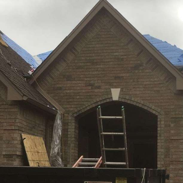 Seamless Gutters and Roof Service - roofing contractor  | Photo 2 of 10 | Address: 593 Legion Rd, Angleton, TX 77515, USA | Phone: (979) 418-1335