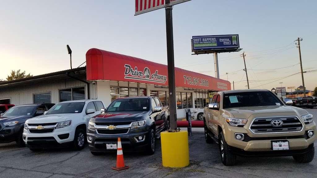 Drive Away Autos - car dealer  | Photo 4 of 10 | Address: 5715 North Fwy, Houston, TX 77076, USA | Phone: (713) 691-3600