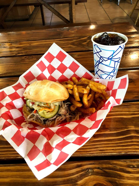 Tuckys BBQ - restaurant  | Photo 4 of 10 | Address: 308 N Boulder Hwy, Henderson, NV 89015, USA | Phone: (702) 566-4227