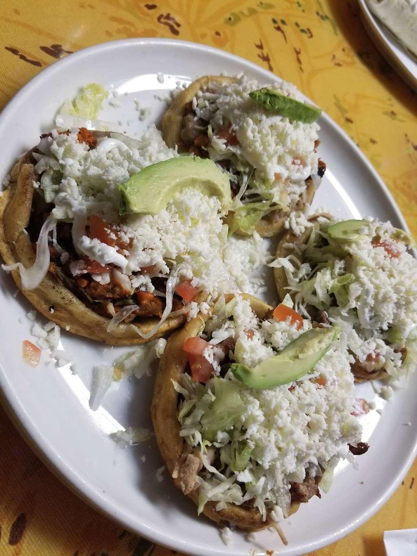 El Pueblo Mexican restaurant - restaurant  | Photo 3 of 10 | Address: 7124 Aloma Ave, Winter Park, FL 32792, USA | Phone: (407) 677-5534