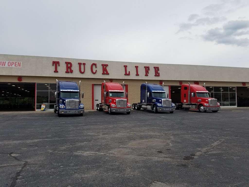 TRUCK LIFE - car repair  | Photo 3 of 10 | Address: 7900 Melton Rd, Gary, IN 46403, USA | Phone: (219) 655-0018