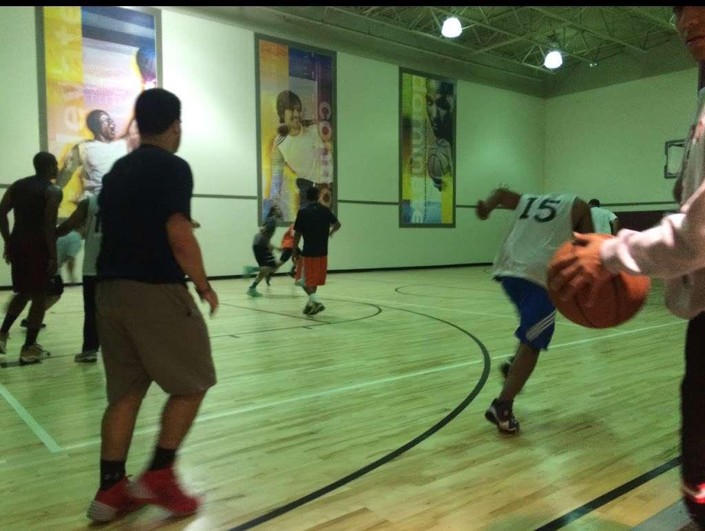 LA Fitness - gym  | Photo 9 of 10 | Address: 485 Harmon Meadow, Secaucus, NJ 07094, USA | Phone: (201) 751-9940