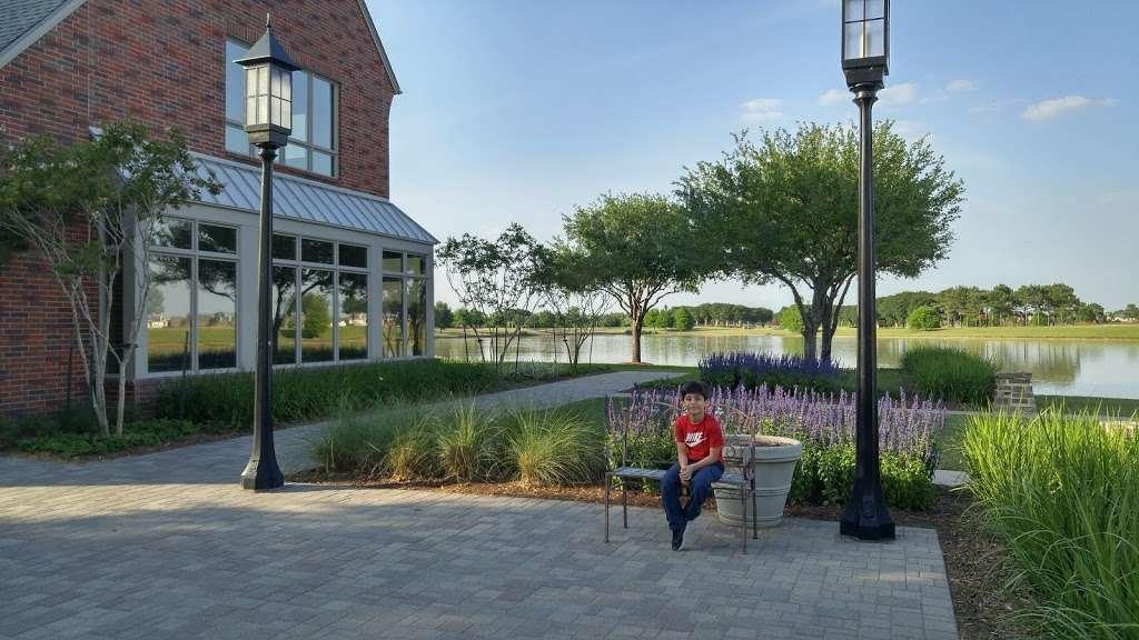 Bridgeland Welcome Center - park  | Photo 5 of 10 | Address: 16919 N Bridgeland Lake Pkwy, Cypress, TX 77433, USA | Phone: (281) 304-5588