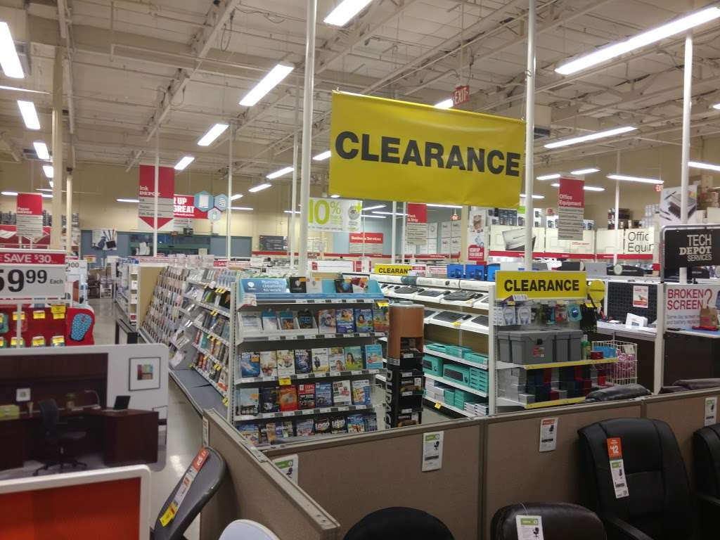 Office Depot - furniture store  | Photo 4 of 10 | Address: 1937 N Campus Ave, Upland, CA 91784, USA | Phone: (909) 949-1220