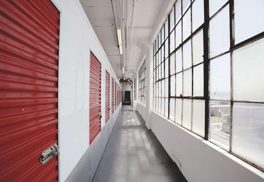 Moishes Self Storage - storage  | Photo 2 of 10 | Address: 840 E 134th St, Bronx, NY 10454, USA | Phone: (718) 993-5650