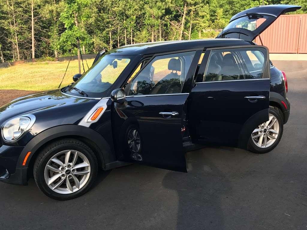 Auto Choice Brokers - car dealer  | Photo 6 of 6 | Address: 722 Montana Dr, Charlotte, NC 28216, USA | Phone: (704) 464-8900