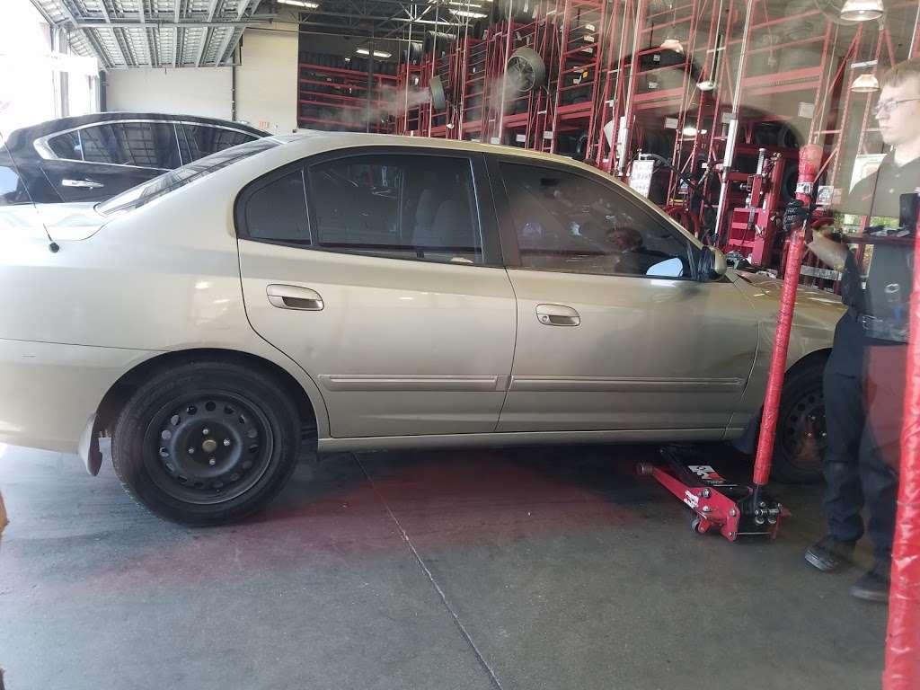 Discount Tire - car repair  | Photo 9 of 10 | Address: 3830 Blue Diamond Rd, Las Vegas, NV 89139, USA | Phone: (702) 893-3322