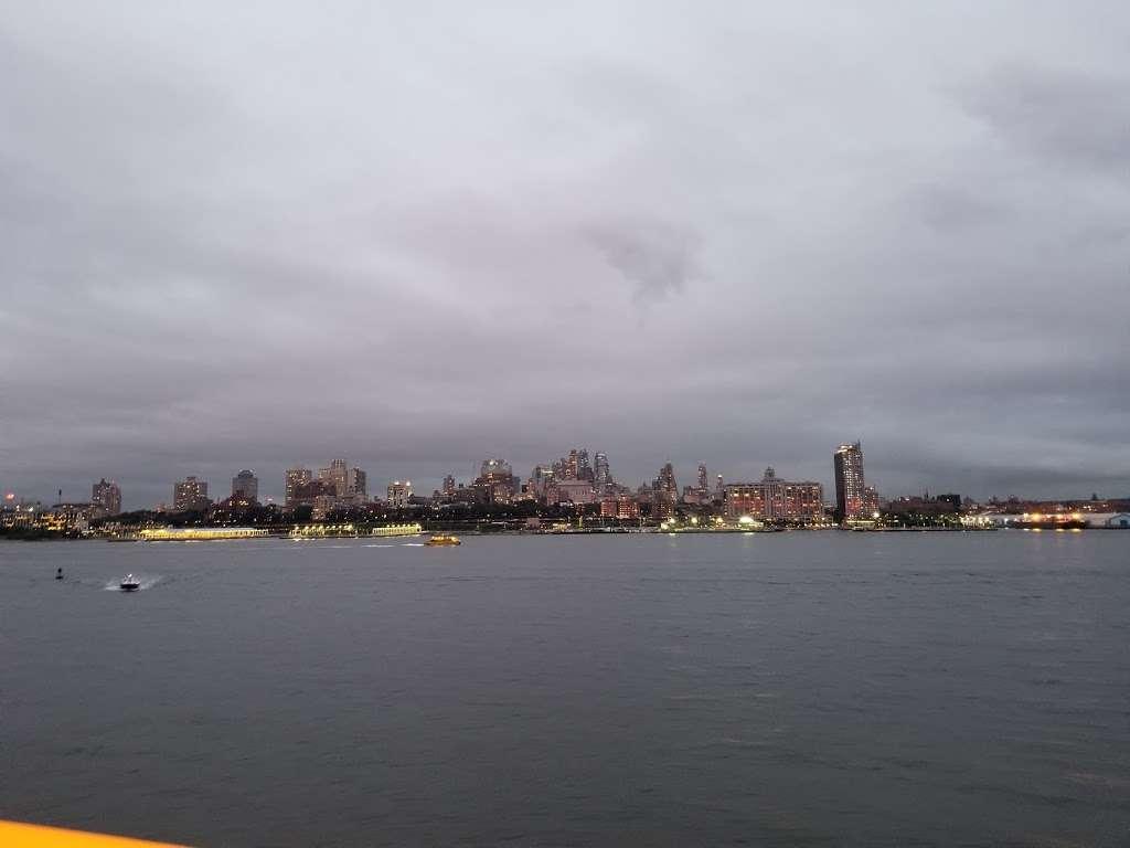 Ferry Manhattan - museum  | Photo 3 of 6 | Address: Upper Bay, New York, NY 10004, USA