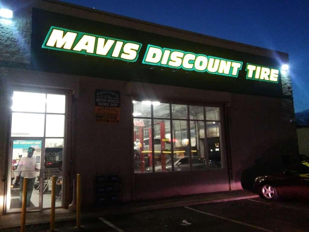 Mavis Discount Tire - car repair  | Photo 5 of 10 | Address: 832 Pennsylvania Ave, Brooklyn, NY 11207, USA | Phone: (718) 307-6771