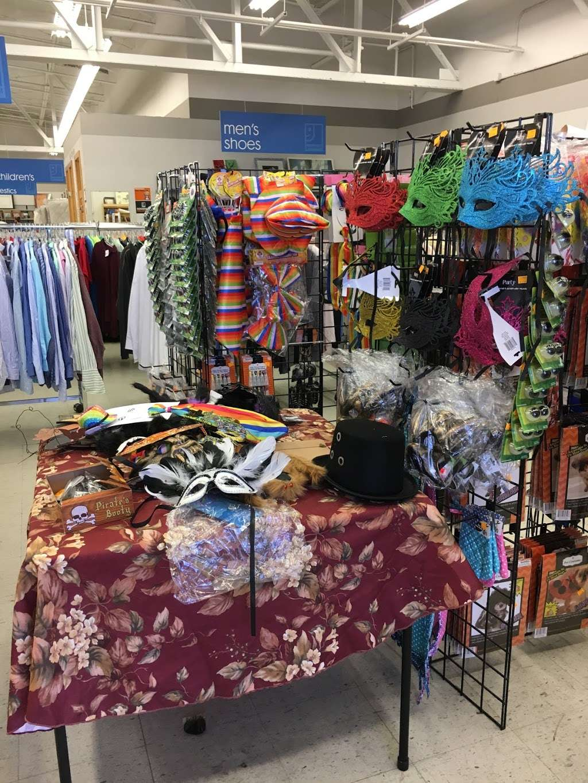 Goodwill Boulder - furniture store  | Photo 8 of 10 | Address: 2486 Baseline Rd, Boulder, CO 80305, USA | Phone: (303) 494-5145