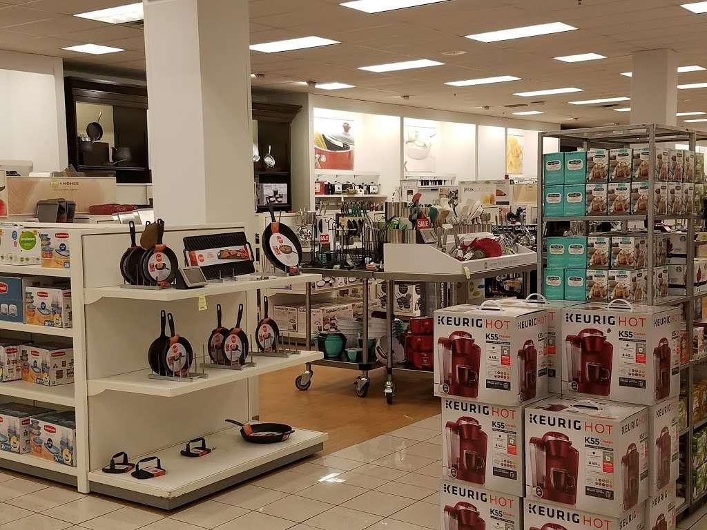 Kohls Caesars Bay - department store  | Photo 1 of 10 | Address: 8973 Bay Pkwy Ste 1, Brooklyn, NY 11214, USA | Phone: (718) 266-6357