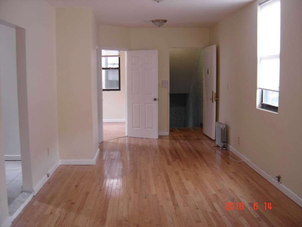 MARBLE HILL MANAGEMENT INC. - real estate agency  | Photo 3 of 5 | Address: 119 W 227th St, Bronx, NY 10463, USA | Phone: (646) 772-7571