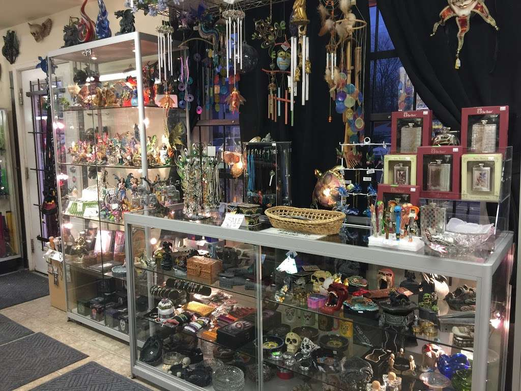 Crystal Dragon Fine Smoking Accessories & Gifts - store  | Photo 3 of 10 | Address: 3050 N Dupont Hwy # C, Dover, DE 19901, USA | Phone: (302) 730-1264