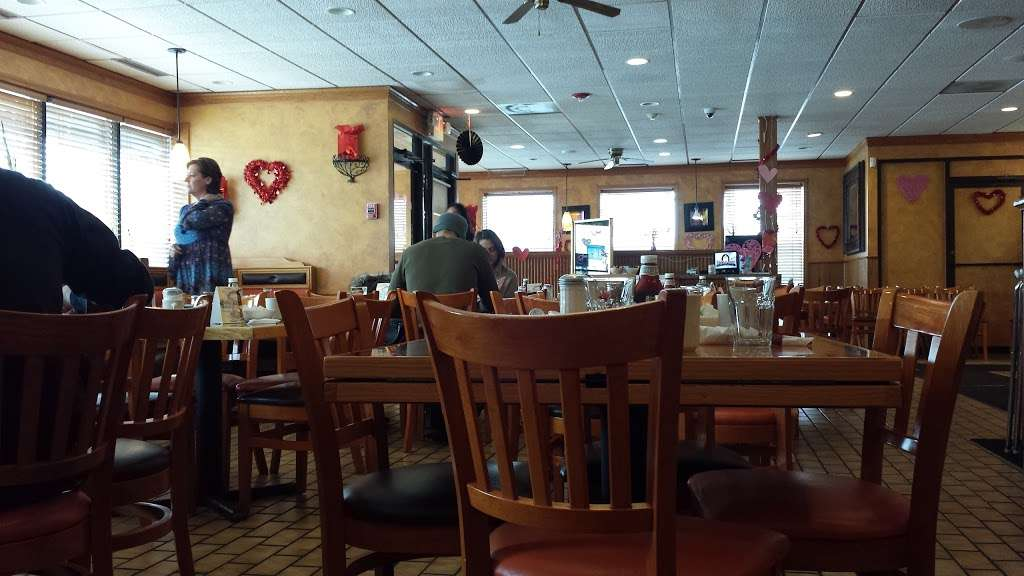 Maple N Jams Cafe - cafe  | Photo 2 of 9 | Address: 6814 W 87th St, Burbank, IL 60459, USA | Phone: (708) 237-1600
