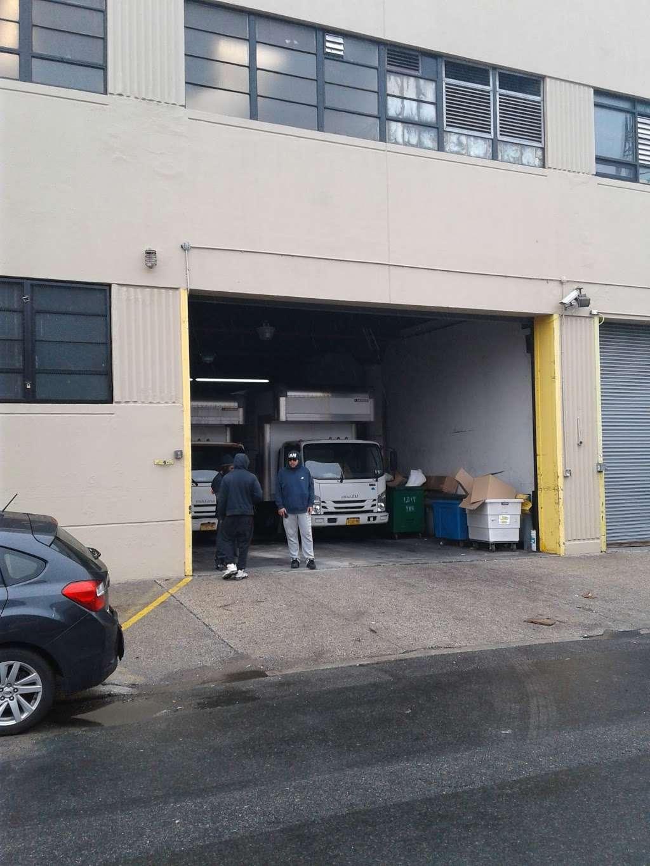 Housing Works Thrift Warehouse - store  | Photo 7 of 10 | Address: 48-49 35th St, Long Island City, NY 11101, USA | Phone: (718) 786-6160
