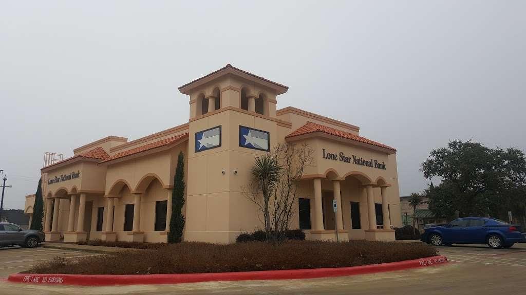 Lone Star National Bank - bank  | Photo 1 of 3 | Address: 15326 Huebner Rd, San Antonio, TX 78248, USA | Phone: (210) 479-4701