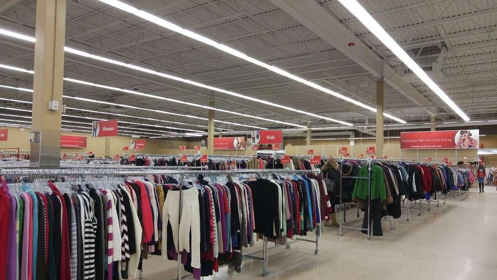 Savers - book store  | Photo 9 of 10 | Address: 9 Plaistow Rd Unit 9-A, Plaistow, NH 03865, USA | Phone: (603) 378-0368